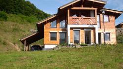 Ferienhaus Maria - 120qm Wohnfläche – 2 Etagen - Panoramasauna mit Seeblick im Feriendorf Rieden Eifel.