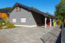 Ferienhaus Jonas - 100 qm Wohnfläche - Kamin - Fassauna - Fußbodenheizung - W-LAN (VDSL) - 3 Schlafzimmer - 2 Badezimmer - 1 Gäste-WC im Feriendorf Ri